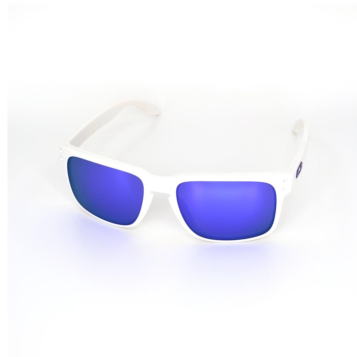 Oakley Holbrook 9102-05, 92,00€, Occhiali Oakley Bianco a forma Rettangolare